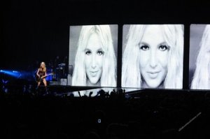 madonna-sticky-and-sweet-cardiff111